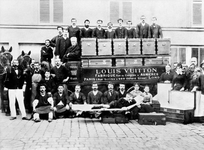 Chuyện về Louis Vuitton: Từ 2 bàn tay trắng gây dựng nên cả cơ đồ, trở thành biểu tượng xa xỉ của toàn thế giới - Ảnh 2.