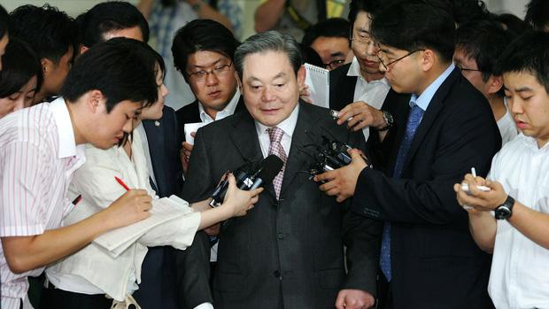 Chuyện đời cố Chủ tịch Lee Kun-hee: Người đàn ông huyền thoại đã biến Samsung trở thành một đế chế điện tử hàng đầu thế giới - Ảnh 3.