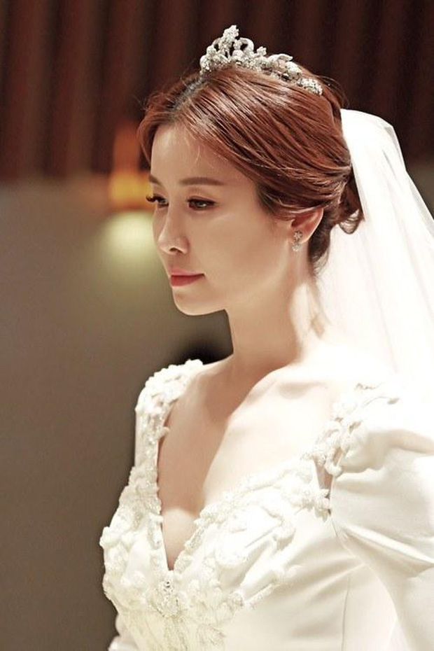 Sao nữ bị bạn trai cũ đâm sau lưng: Á hậu lột xác sau khi khổ sở làm dâu gia tộc Samsung, Goo Hara uất hận tự tử - Ảnh 13.