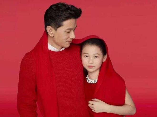 Bức ảnh 'trâm anh thế phiệt' gây chấn động: Cháu gái chủ tịch tập đoàn Samsung đọ sắc cùng hội bạn thân siêu giàu - ảnh 3