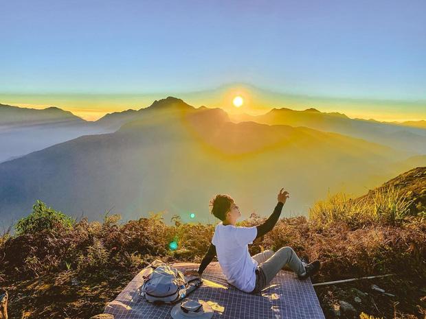 """Dân mạng truy lùng địa điểm săn mây đẹp bậc nhất Việt Nam: Xem ảnh mà ngỡ """"tiên cảnh"""" giữa đời thực, không phải ai cũng được check-in - Ảnh 10."""