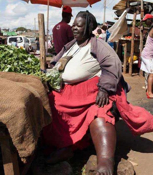 Người phụ nữ trải qua 6 lần sinh nở, nặng 300kg được xem là đệ nhất mỹ nhân khiến đàn ông mê mệt, biết được lý do ai cũng ngỡ ngàng - Ảnh 1.