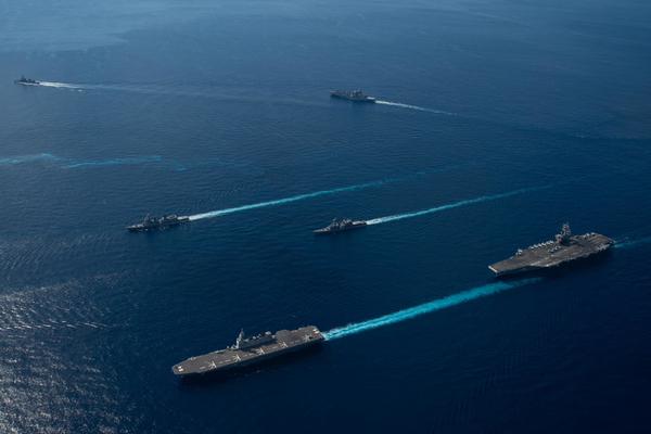 Tàu chiến khủng nhất của Nhật tập trận với Mỹ sau sứ mệnh ở Biển Đông - Ảnh 4.