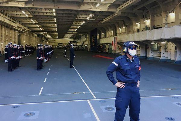 Tàu chiến khủng nhất của Nhật tập trận với Mỹ sau sứ mệnh ở Biển Đông - Ảnh 6.