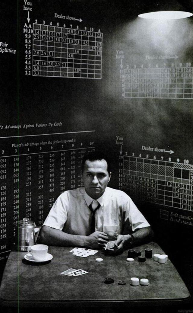 Câu chuyện thiên tài toán học thành tỷ phú phố Wall: Đánh bại tất cả các casino, chứng minh cờ bạc không phải do may mắn - Ảnh 1.