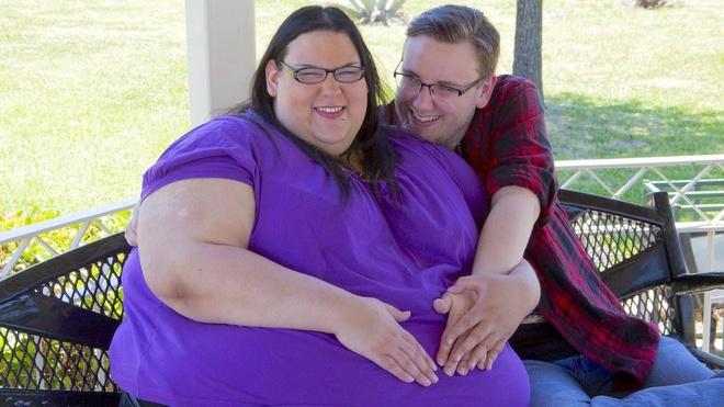 Người phụ nữ béo nhất thế giới sinh con vỏn vẹn 2 kg, quyết tâm giảm cân để bên con lâu dài - Ảnh 2.