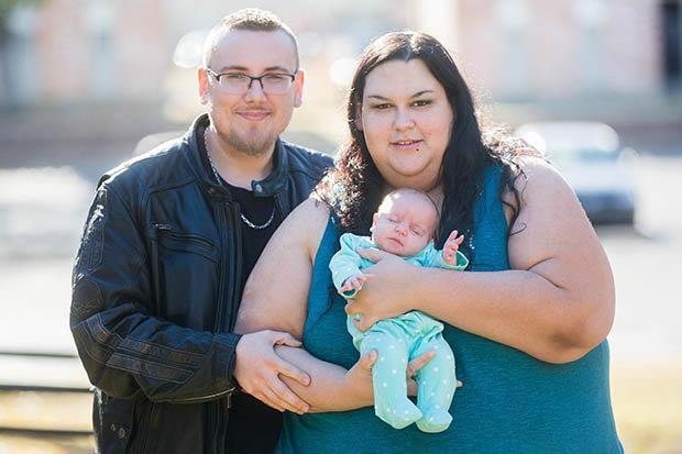 Người phụ nữ béo nhất thế giới sinh con vỏn vẹn 2 kg, quyết tâm giảm cân để bên con lâu dài - Ảnh 3.