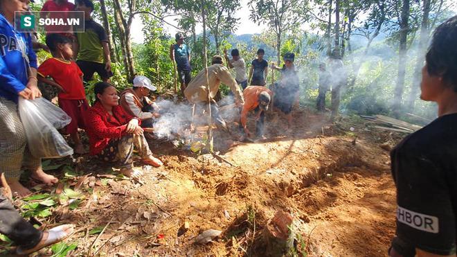 Nóng: Những hình ảnh đầu tiên từ tâm vụ sạt lở kinh hoàng Trà Leng khiến hàng chục người mất tích - Ảnh 13.