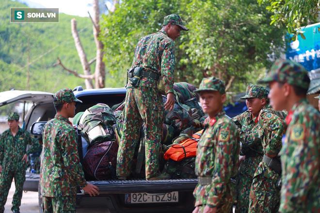 [ẢNH] Huy động thêm bộ đội công binh vào tìm kiếm nhiều nạn nhân mất tích vụ sạt lở ở Trà Leng - Ảnh 10.