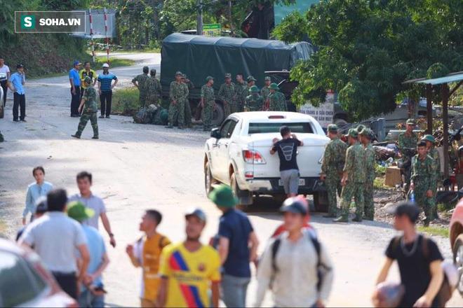 [ẢNH] Huy động thêm bộ đội công binh vào tìm kiếm nhiều nạn nhân mất tích vụ sạt lở ở Trà Leng - Ảnh 11.