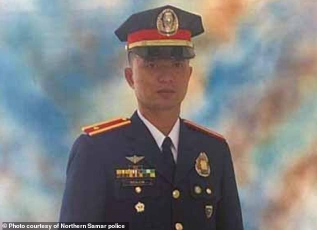 Philippines: Cảnh sát trưởng thiệt mạng thương tâm vì một con gà chọi - Ảnh 1.