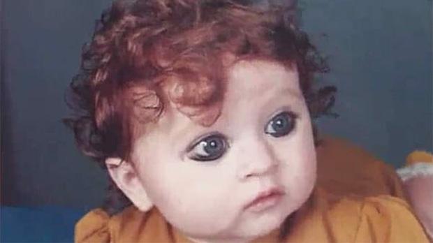 Bé gái sinh ra bị nguyền rủa là quái vật, 20 năm sau dậy thì thành công khiến ai cũng trầm trồ - Ảnh 1.