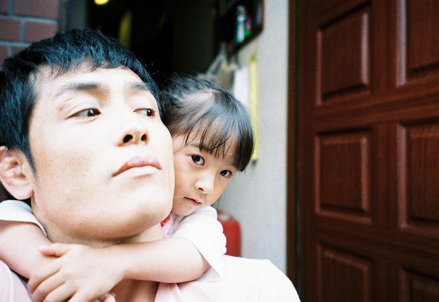Bố Nhật cùng con gái bị bệnh tim bẩm sinh chiến đấu suốt 10 năm: Bố chẳng cần gì, chỉ cần con sống và 10.000 bức ảnh cảm động lòng người - Ảnh 2.
