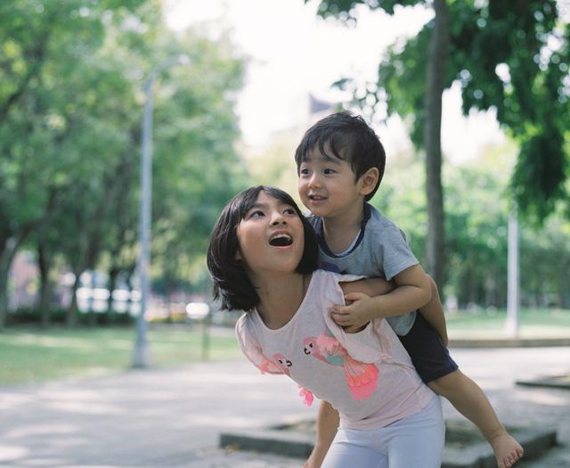 Bố Nhật cùng con gái bị bệnh tim bẩm sinh chiến đấu suốt 10 năm: Bố chẳng cần gì, chỉ cần con sống và 10.000 bức ảnh cảm động lòng người - Ảnh 26.