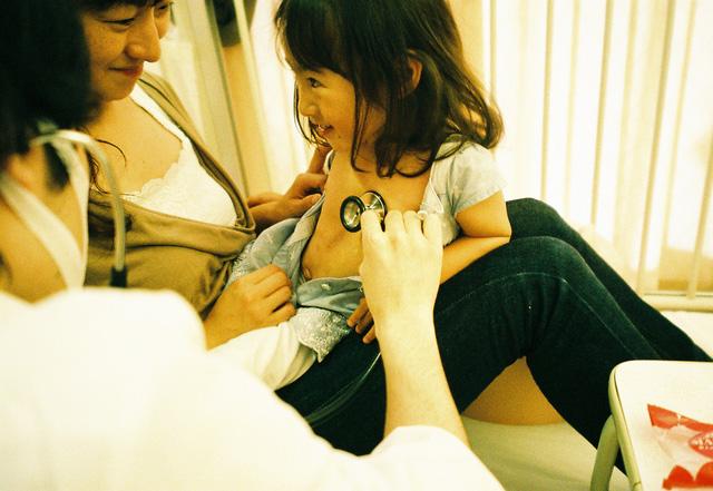 Bố Nhật cùng con gái bị bệnh tim bẩm sinh chiến đấu suốt 10 năm: Bố chẳng cần gì, chỉ cần con sống và 10.000 bức ảnh cảm động lòng người - Ảnh 9.