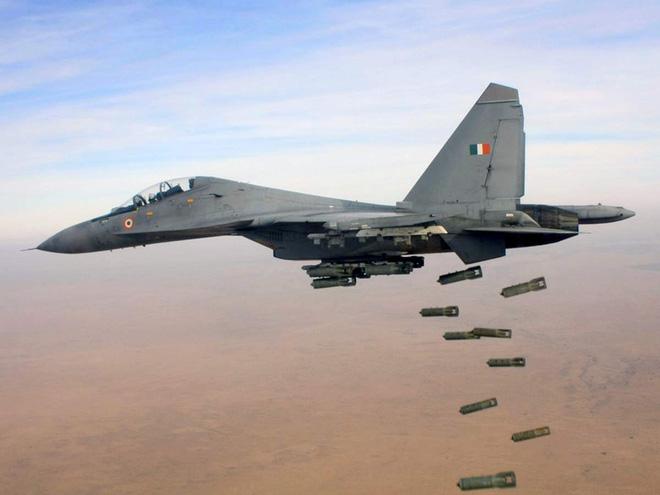 Tiết lộ vai trò đặc biệt của Su-30 MKI nếu chiến tranh biên giới Trung - Ấn bùng nổ - Ảnh 2.