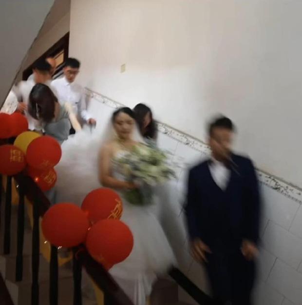 Nhờ người yêu cũ chụp ảnh cưới, cặp đôi nhận về ngàn niềm đau với những tác phẩm chán đời không tả - Ảnh 6.