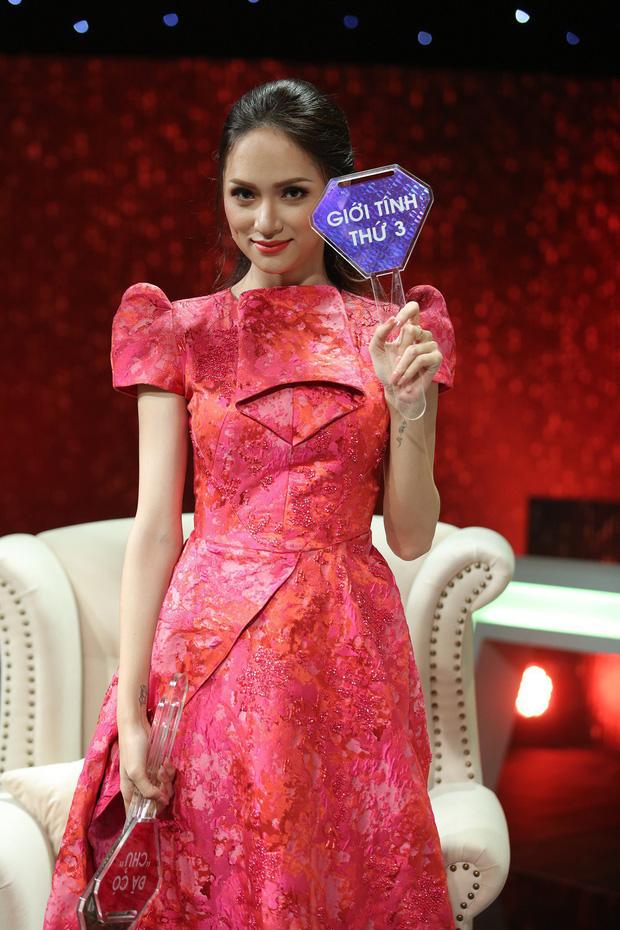 Loạt ồn ào chấn động của Hương Giang khi đi show: Vô lễ với tiền bối, gây tranh cãi về phát ngôn liên quan đến cộng đồng LGBT - Ảnh 5.