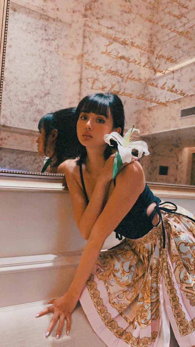 Biệt thự siêu sang của gái đẹp lấy đại gia Thái Lan: Nhìn kiểu gì cũng giống resort cao cấp, đứng vu vơ ở nhà xe cũng có ảnh sống ảo - Ảnh 2.