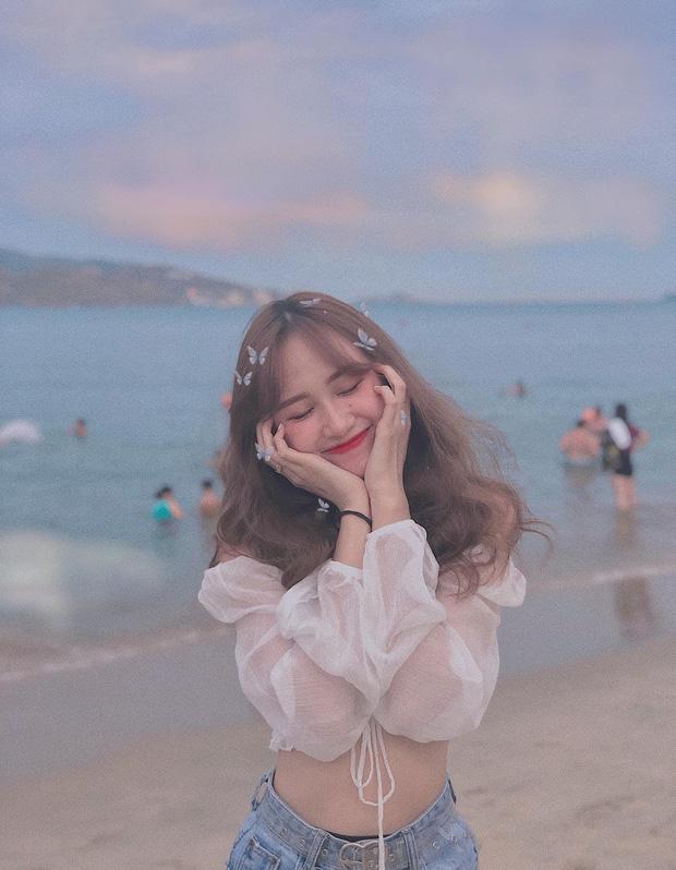 Chị áo xanh giơ bảng tên của Rap Việt: Khán giả chọc trên sân khấu cosplay lon nước ngọt nhưng ngoài đời cool lắm nha - Ảnh 10.