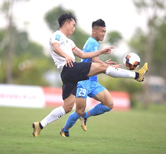 Cuộc đua thăng hạng V-League: Cẩn thận! Đội Bình Định đang 'phi mã' - Ảnh 1.
