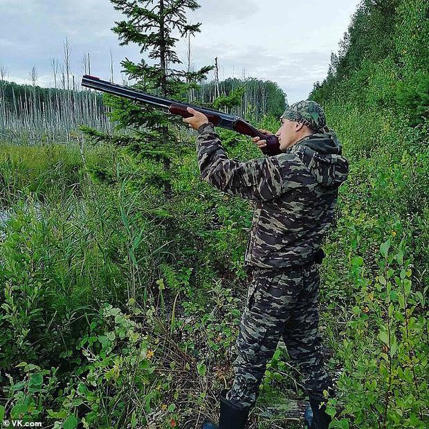 Anh em cây khế: Giả tiếng vịt quá giống, thanh niên bị bạn cầm súng săn bắn vào mặt vì nghĩ là vịt thật - Ảnh 2.