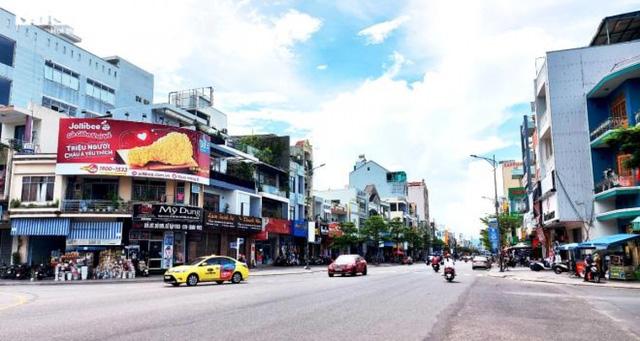 Dân kinh doanh ở Đà Nẵng đồng loạt trả mặt bằng, lay lắt chờ Tết - Ảnh 2.