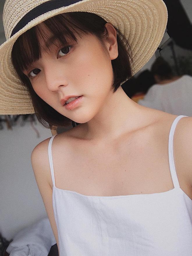 So ảnh mặt mộc với khi make up của Hải Tú để thấy nét đẹp gà nhà Sơn Tùng M-TP đỉnh thế nào - Ảnh 10.