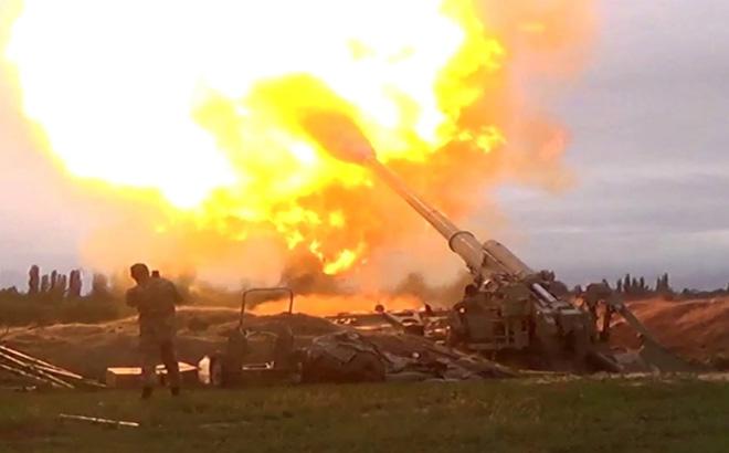 Xung đột Armenia - Azerbaijan: Màn thi đấu tên lửa tàn khốc sắp bùng nổ? - Ảnh 1.
