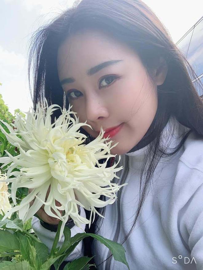 Nhan sắc như hoa hậu của vợ kém 18 tuổi từng định ly hôn với ca sĩ Việt Hoàn - Ảnh 12.