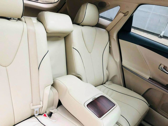 Qua thời đỉnh cao, Toyota Venza hạ giá rẻ ngang Kia Seltos thế hệ mới - Ảnh 4.