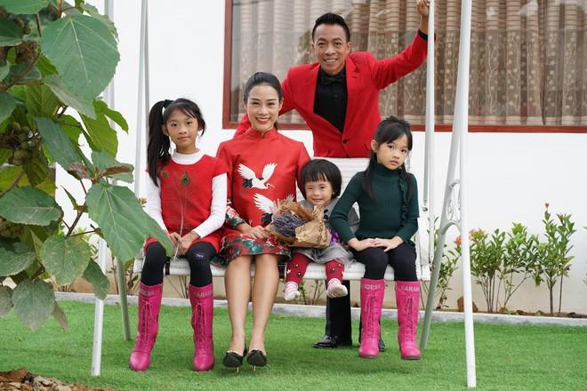 Nhan sắc như hoa hậu của vợ kém 18 tuổi từng định ly hôn với ca sĩ Việt Hoàn - Ảnh 4.