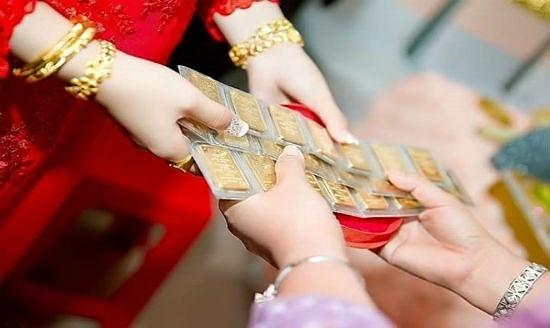 Ly hôn vì chồng ham chơi, vợ chưa kịp trả lại vàng cưới đã bị đối phương dọa kiện vì tội lừa đảo hôn nhân - Ảnh 1.