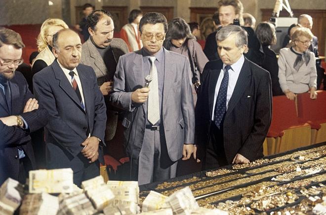 KGB từng phá án tham nhũng lớn - Ảnh 3.