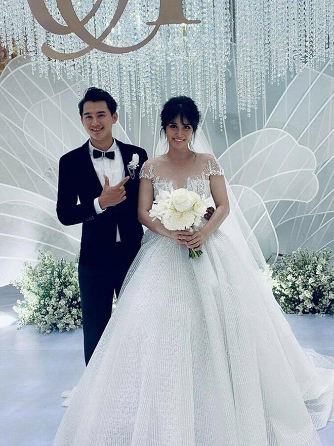 Điều ít biết về chồng hai kém 8 tuổi, vừa âm thầm kết hôn với Thảo Trang - Ảnh 9.