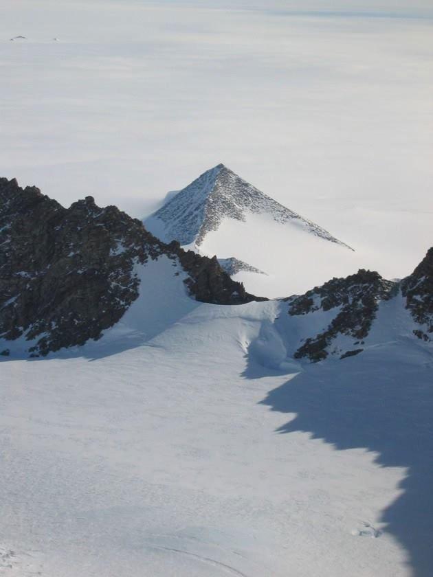 Vì sao chúng ta không thể khai quật những kim tự tháp ở Nam Cực? - Ảnh 7.
