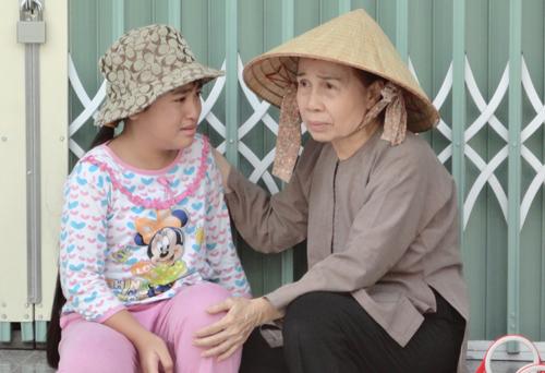 Cuộc đời buồn của nghệ sĩ Ánh Hoa: Mất chồng và 4 con, phải nghỉ hát bán cơm tấm - Ảnh 8.