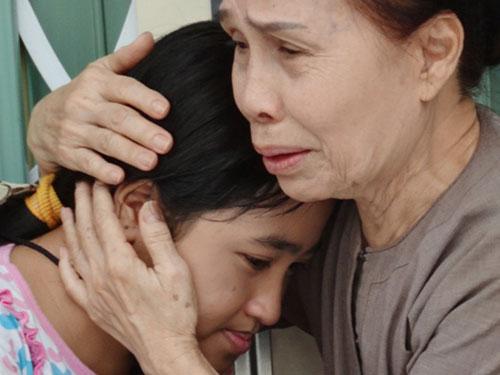 Cuộc đời buồn của nghệ sĩ Ánh Hoa: Mất chồng và 4 con, phải nghỉ hát bán cơm tấm - Ảnh 1.
