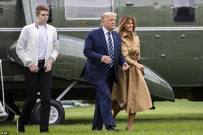 """Loạt ảnh chiều cao khủng của """"Hoàng tử Nhà Trắng"""" Barron Trump biến các bạn mình thành người tí hon, chỉ đi bộ đã nhanh bằng bạn chạy - Ảnh 8."""