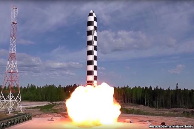 TT Putin tuyên bố lạnh người về vũ khí hạt nhân Nga: Kẻ thù phải run sợ! - Ảnh 1.