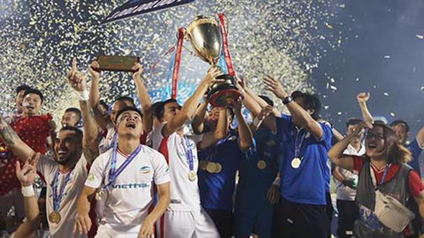 Cầu thủ đầu tiên của CLB Quảng Nam tuyên bố rời đội; Juventus muốn bán Ronaldo - Ảnh 4.