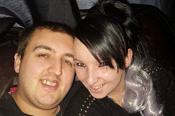 Bị cảnh báo đừng nên hút thuốc trên giường nhưng không nghe, cặp đôi gây ra tội ác tày trời - Ảnh 3.