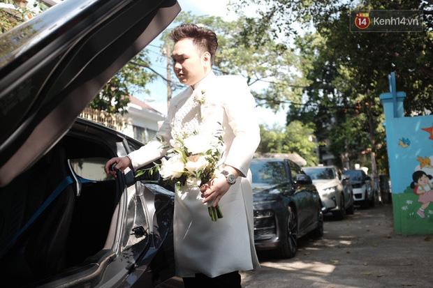 Dàn xe hơn 20 tỷ trong đám cưới streamer giàu nhất Việt Nam, nổi nhất là xe chú rể và em họ Diệp Lâm Anh - ảnh 1