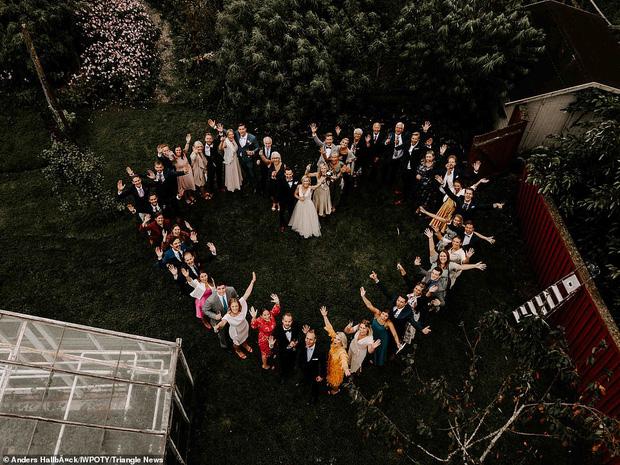 Loạt tác phẩm lọt top giải thưởng nhiếp ảnh đám cưới thế giới khiến bất cứ chị em nào cũng muốn thuê ngay về chụp 1 bộ - Ảnh 12.
