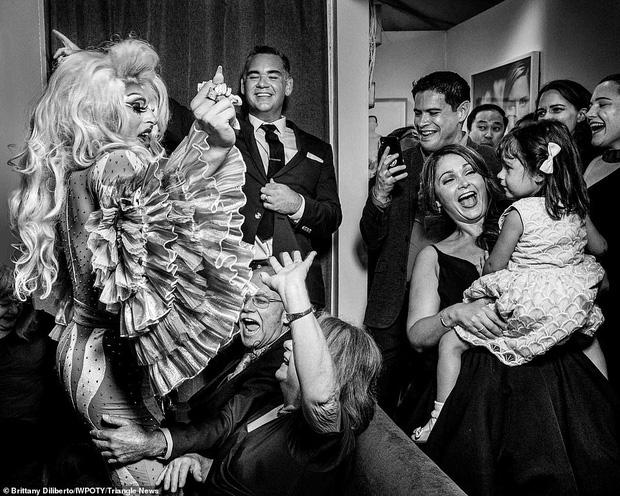 Loạt tác phẩm lọt top giải thưởng nhiếp ảnh đám cưới thế giới khiến bất cứ chị em nào cũng muốn thuê ngay về chụp 1 bộ - Ảnh 5.