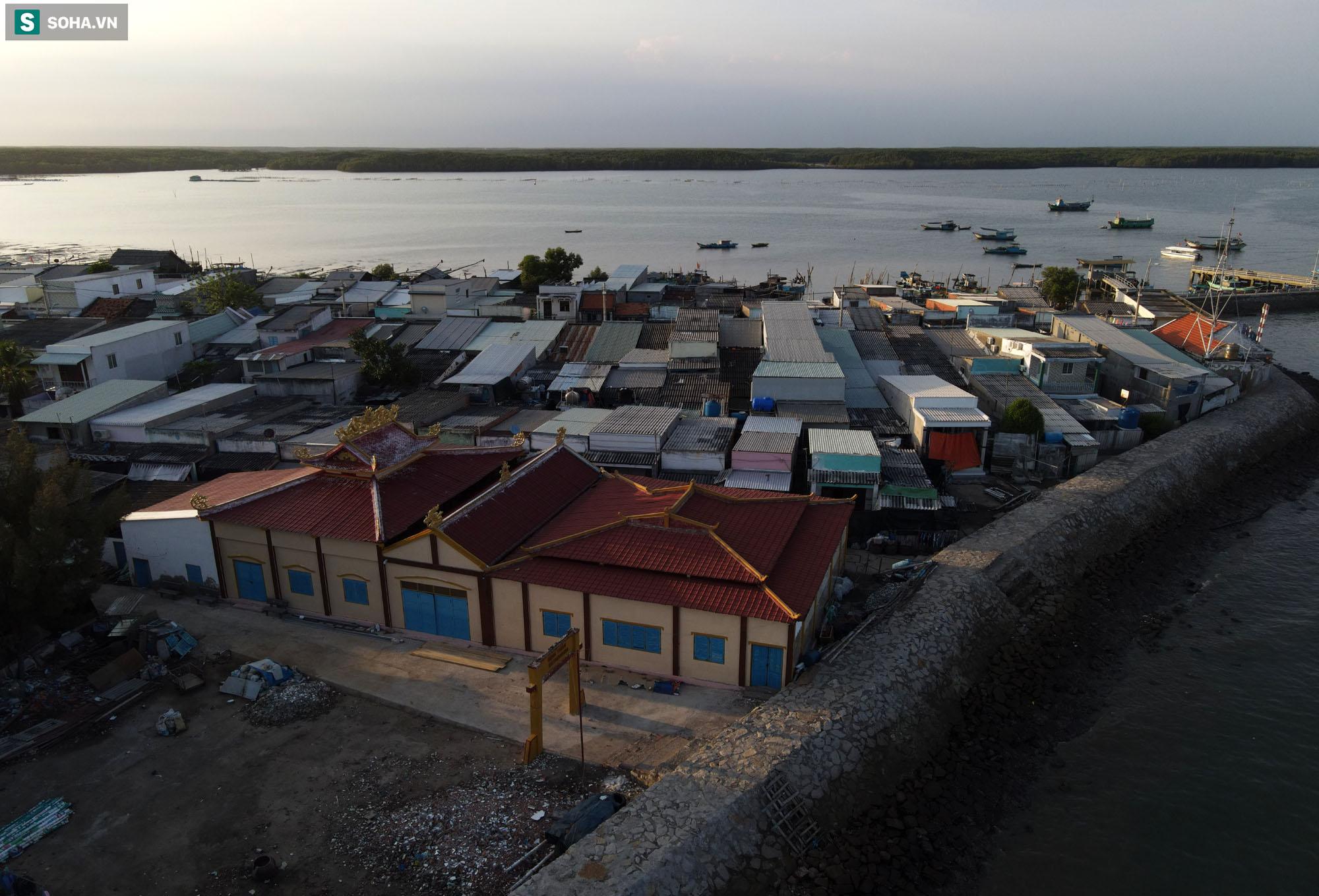 Nằm giữa biển Cần Giờ có một hòn đảo đẹp ngỡ ngàng, hoang sơ, rất ít người biết ở TP.HCM - Ảnh 18.