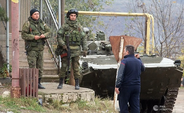 Chiến sự Azerbaijan và Armenia: Tổng thống Putin xuất chiêu kịp thời - Cú ra đòn quyết định rất cao tay - Ảnh 3.