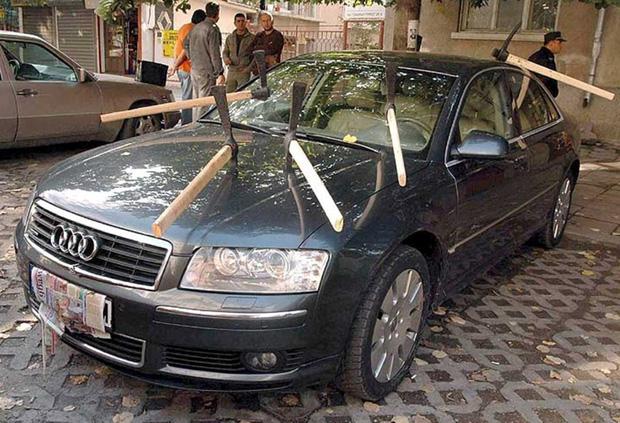 Vỏ quýt dày có móng tay nhọn: Những màn trả đũa kẻ đỗ xe vô ý thức cực gắt đảm bảo sẽ khiến không ai dám tái phạm lần sau - Ảnh 8.