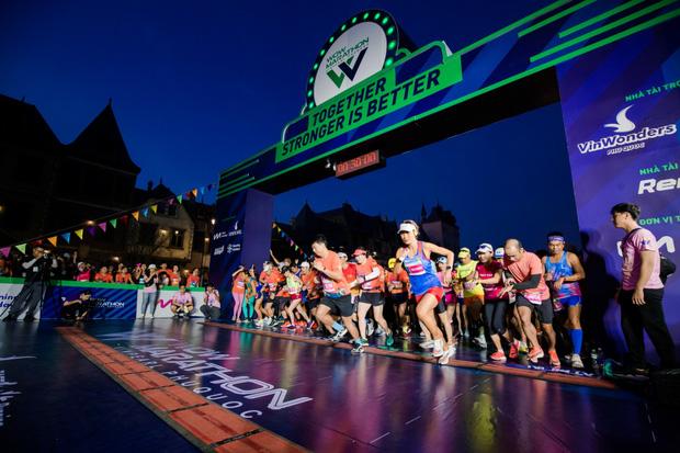 Runner nói gì về trải nghiệm kỳ nghỉ thể thao với giải chạy WOW Marathon Vinpearl Phú Quốc: Tôi như vỡ oà vì được chạy ở cung đường tuyệt đẹp! - Ảnh 1.