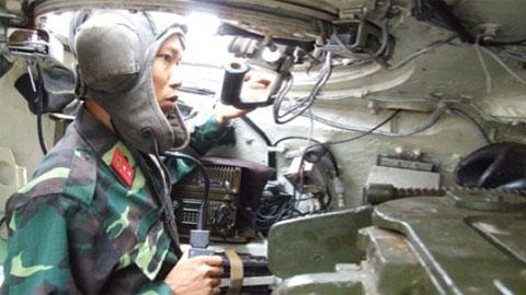 Đại tá Nguyễn Khắc Nguyệt: Hé lộ những đôi tai tinh tường của lính xe tăng - Ảnh 4.